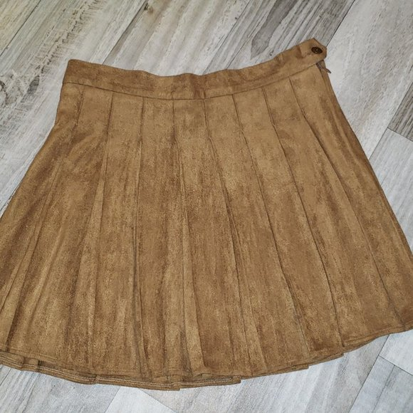 Forever 21 Brown Pleated Mini Skirt
